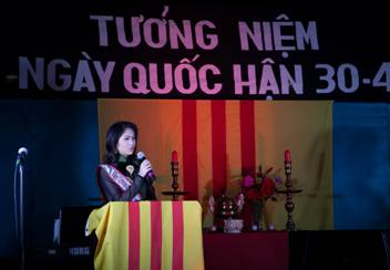 2926 Heartfelt Speeches Commemorating Black April By National American Miss Cung Hoàng Kim